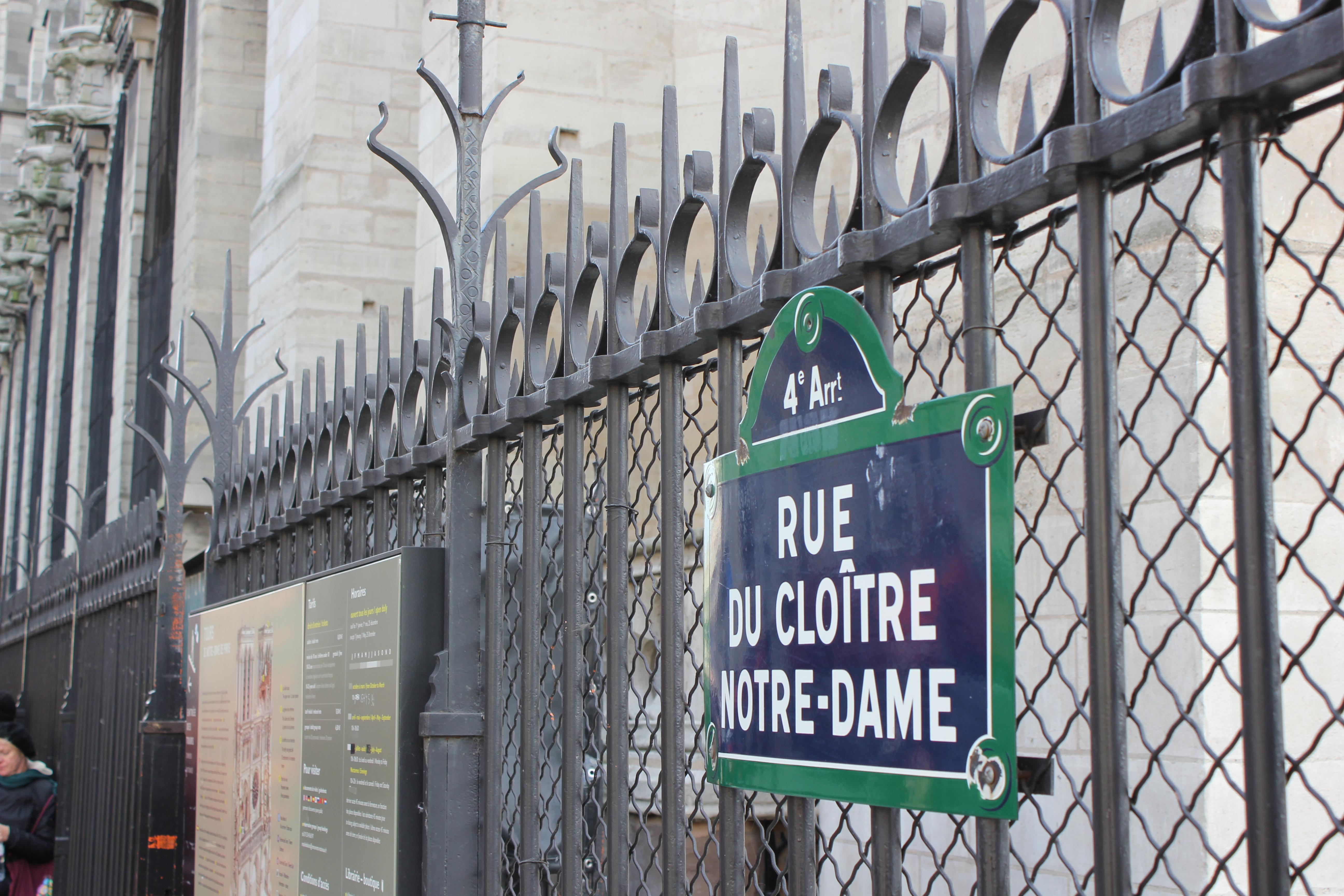 Straßenschild-in-Paris-II