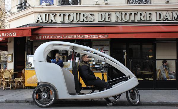Straßenszene aus Paris © Karin Lachmann