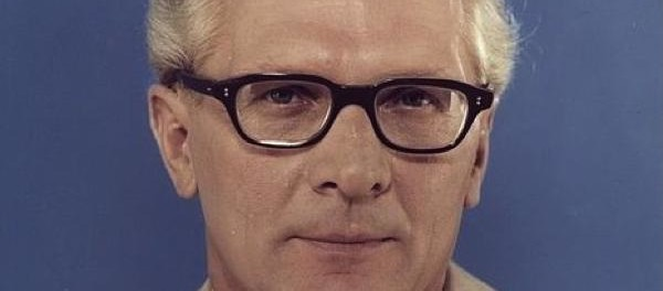 Erich Honecker / Quelle: Bundesarchiv, Bild 183-R1220-401 / Unknown / CC-BY-SA 3.0 [CC BY-SA 3.0 de (http://creativecommons.org/licenses/by-sa/3.0/de/deed.en)], via Wikimedia Commons; https://upload.wikimedia.org/wikipedia/commons/2/2f/Bundesarchiv_Bild_183-R1220-401%2C_Erich_Honecker.jpg