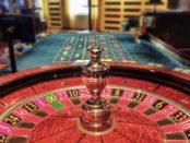 Roulette / Quelle: Pixabay, lizenzfreie Bilder, open library: https://pixabay.com/de/roulette-jetons-casino-gl%C3%BCcksspiel-298029/