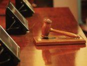 Der Hammer des Richters. / Quelle: Pixabay, lizenzfreie Bilder, open library: https://pixabay.com/de/richter-hammer-urteil-gericht-rat-1587300/