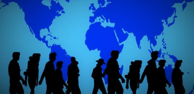 Wer ist Fluechtling, wer Migrant? / Quelle: Pixabay: lizenzfrei Bilder, open library: https://pixabay.com/de/weltkarte-menschen-gruppe-1005413/