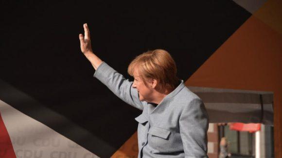 Bundeskanzlerin Angela Merkel (CDU) / Quelle: Pixabay, lizenezfreie Bilder, open library: https://pixabay.com/de/merkel-bundeskanzlerin-angela-merkel-2906016/