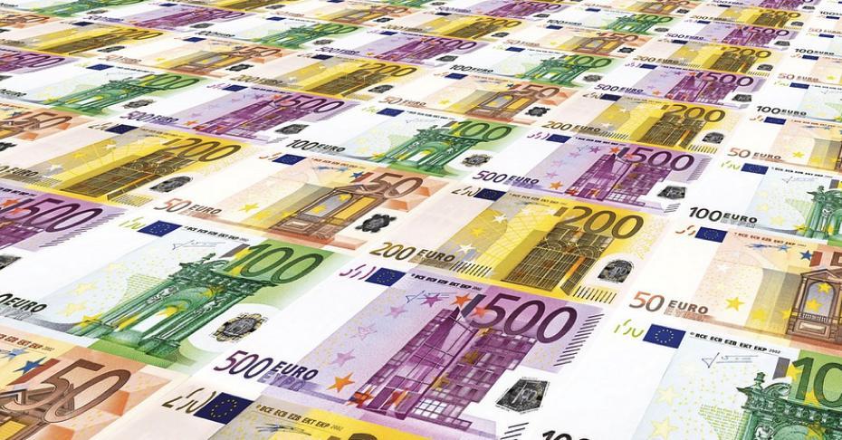 Euroscheine / Steuer / Quelle: Pixabay, lizenezfreie Bilder, open library: https://pixabay.com/de/euro-stapel-europa-eu-1976630/