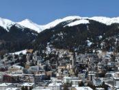 Davos / Quelle: Pixabay, lizenzfreie Bilder, open library: https://pixabay.com/de/davos-schweiz-alpen-stadt-winter-2042711/