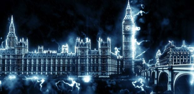 Was droht bei einem ungeregelten Brexit? Bild: Britischer Regierungssitz in Westminster mit Big Ben / Quelle: Pixabay, lizenezfrei Bilder, open library: https://pixabay.com/de/westminster-london-england-uk-1472807/
