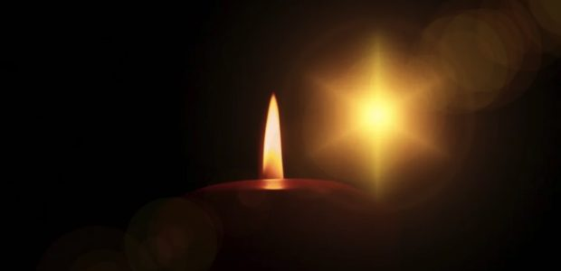 Kerze Heilige Nacht / Quelle: Pixabay, lizenezfreie Bilder, open library: https://pixabay.com/de/photos/kerze-licht-abend-advent-64179/
