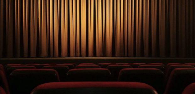 Leeres Kino / Quelle: Pixabay, lizenezfreie Bilder, open library: https://pixabay.com/de/photos/kino-vorhang-theater-film-4609877/