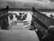 Zweiter Weltkrieg / Quelle: Pixabay, lizenzfreie Bilder, open library: https://pixabay.com/de/photos/krieg-landungsboot-normandie-63137/, Wikilmages