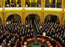 Das ungarische Parlament / Quelle: Pixabay, lizenezfreie Bilder, open library, bici; https://pixabay.com/de/photos/budapest-parlament-1256638/