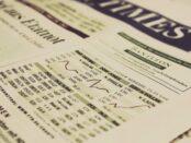 Aktien Finanzen Financial Times / Quelle: Pixabay, lizenzfreie Bilder, markusspiske; https://pixabay.com/de/photos/chart-aktien-dax-dow-jones-594212/