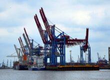 Wirtschaftseinbruch Hafen Export / Quielle: Pixabay, lizenezfreie Bilder, open library: https://pixabay.com/de/photos/kran-kr%C3%A4ne-hafen-hamburg-baustelle-1764424/