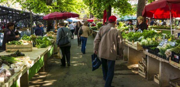 Wochenmarkt / Quelle: Pixabay, lizenzfreie Bilder, open library; Fotoworkshop4you: https://pixabay.com/de/photos/markt-gem%C3%BCsemarkt-wochenmarkt-1558658/