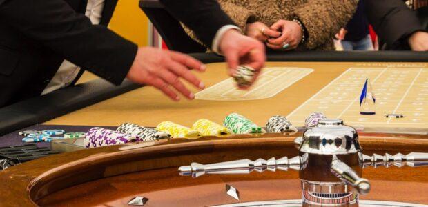 Glücksspiel / Casino /Quelle: Pixabay, lizenzfreie Bilder, open library; Meineresterampe: https://pixabay.com/de/photos/roulette-gl%C3%BCcksspiel-spielbank-1253622/