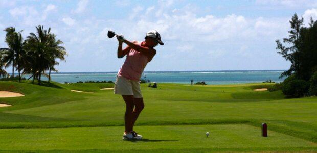 Golf / Quelle: Pixabay, lizenzfreie Bilder, open library, 22563: https://pixabay.com/de/photos/golf-frau-abschlag-golfschl%C3%A4ger-83876/