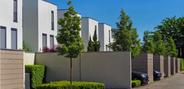 Wohlstandsilluision – Traum vom Eigenheim / Quelle: Pixabay, lizenzfreie Bilder, open library; MichaelGaida: https://pixabay.com/de/photos/architektur-einfamilienhaus-h%C3%A4user-3383067/