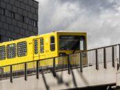 Schienenverkehr / Quelle: Pixabay, lizenzfreie Bilder, open library; emcanicepic: https://pixabay.com/de/photos/u-bahn-hochbahn-schienenverkehr-3982370/