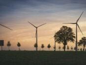 Kimapolitik / Windkraftanlagen / Quelle: Pixabay, lizenzfreie Bilder, open library: mrganso; https://pixabay.com/de/photos/windkraftwerk-windrad-windkraft-5239642/